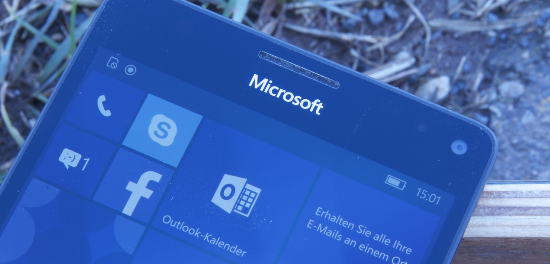Microsoft Lumia 950 XL Front Logo
