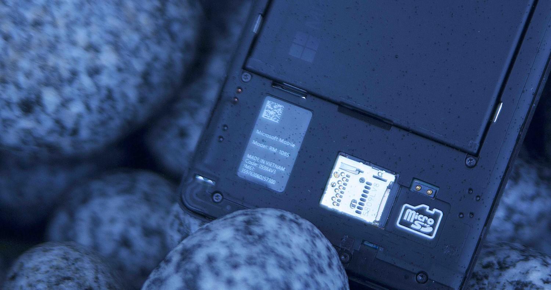 Microsoft Lumia 950 XL Rückseite Akku & Micro SD